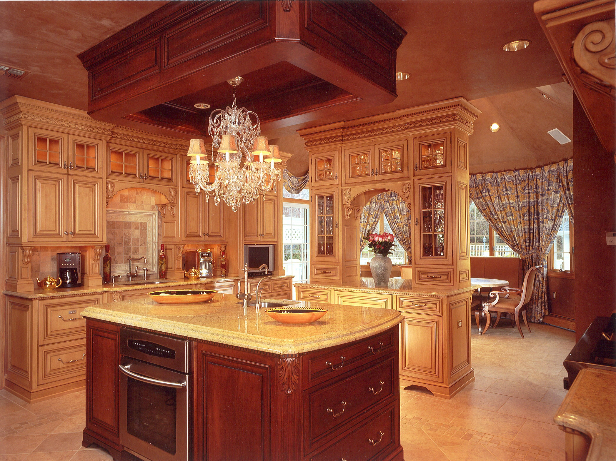 Custom kitchens formal kitchen platinum designs llc for Custom kitchen designer