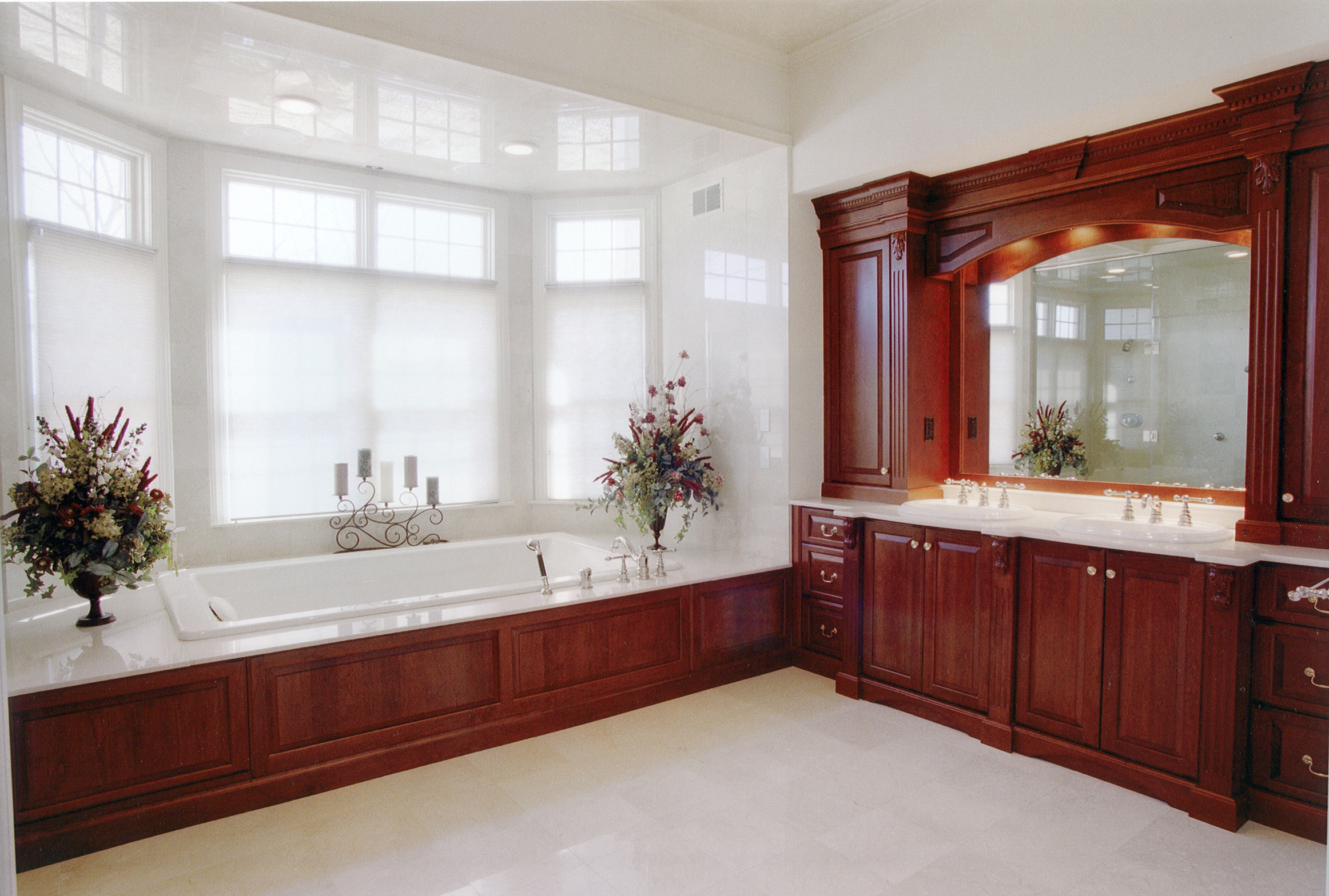 Platinum designs llc custom bathroom cabinetry master for Custom bathrooms